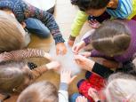 Padėkime vaikams pažinti pasaulį: žaiskime ir eksperimentuokime kartu