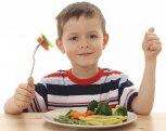 5 suaugusiųjų žingsniai, skatinantys vaikus valgyti sveikatai palankų maistą