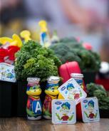 Vaikų užkandžiavimas Baltijos šalyse: tėvai nerimauja dėl cukraus, tačiau nesusilaiko nedavę vaikams saldėsių