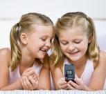 Pirmasis telefonas vaikui: ką turėtų žinoti tėvai?