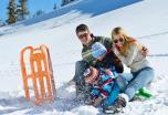 Vaikų pramogos su rogutėmis: žiemos džiaugsmai ir ašaros dėl traumų
