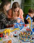 5 priežastys dovanoti vaikams žaidimus be taisyklių: skatina protinį ir kūrybinį vystymąsi