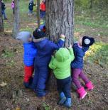 """Projekto """"Gamtos draugai"""" metu skatinome rūpintis gamtos vertybėmis"""