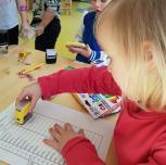 Tėvai ir seneliai kūrybingai pristatė vaikams savo profesijas