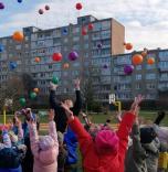 """Projekto """"Kamuolio diena 2019"""" dalyviai džiaugėsi spalvinga ir aktyvia diena su kamuoliu"""