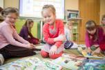Šešiamečiai ikimokyklinio ir priešmokyklinio ugdymo grupėse, taip pat pradinukai galės būti be veido kaukių