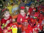 Spalvingi sveiko maisto stalai viliojo Rudenėlio šventės dalyvius