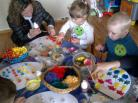 """Vaikų ir jų tėvelių kūrybinių darbų paroda """"Pavasario stebuklas"""""""