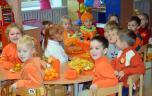 Vaikai pažino įvairias vaisių ir daržovių spalvas